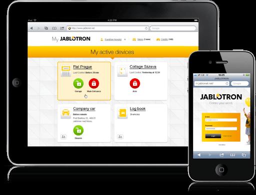 Billede af Jablotron og deres styresystem via en app, på både tablet og mobil.